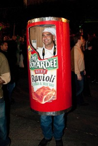 Check out this guy's awesome Halloween costume... yes, he's a can of Chef Boyardee ravioli!